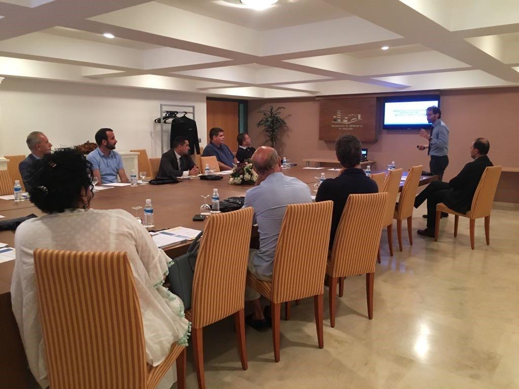Desayuno presentación estudio CEOE Sevilla